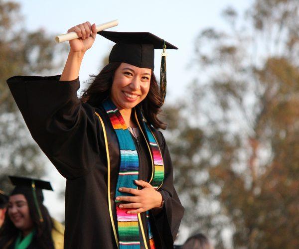 graduation-4502796_1920